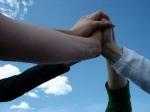 amistad+amigos+tomados de las manos+dia delamigo