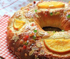 Las tradiciones hay que mantenerlas y si son dulces , saben mejor ;)